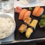 フランス パリ サンジェルマン『Sushi West』でお寿司を食べる