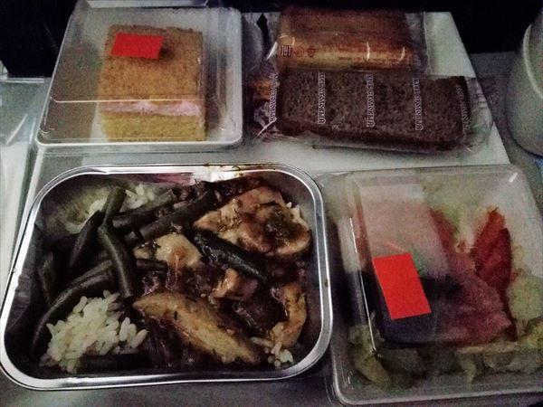 モスクワ~成田の機内食 夕食