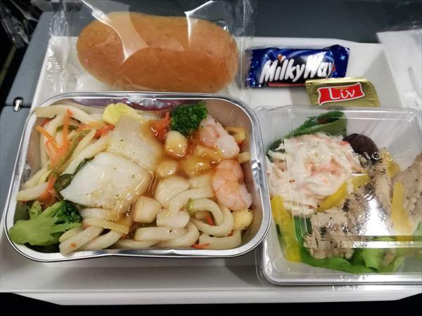 成田~モスクワの機内食 夕食