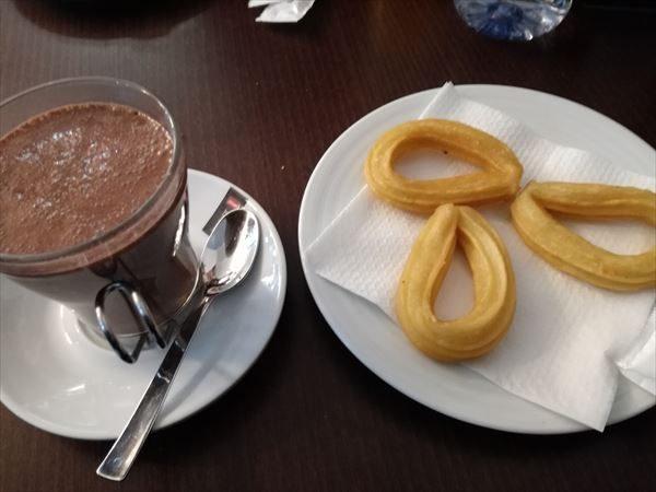 バルセロナのチュロス&チョコラータ