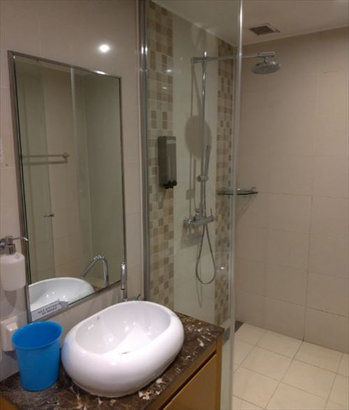 仁川国際空港 シャワー室 内部
