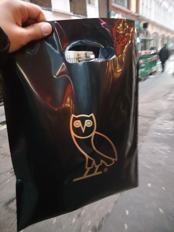 OVO LONDON FLAGSHIPショッパー