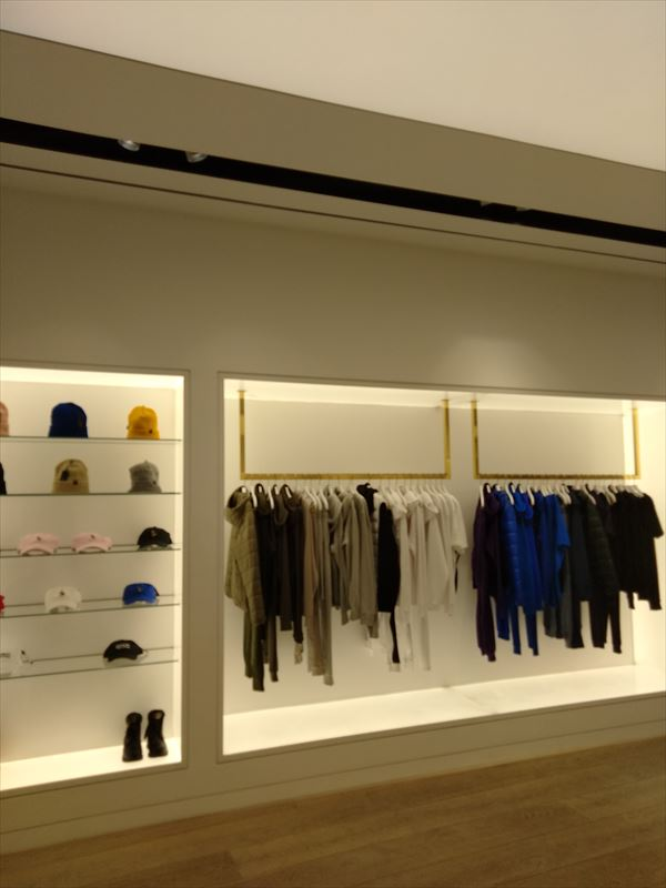 OVO LONDON FLAGSHIP店内